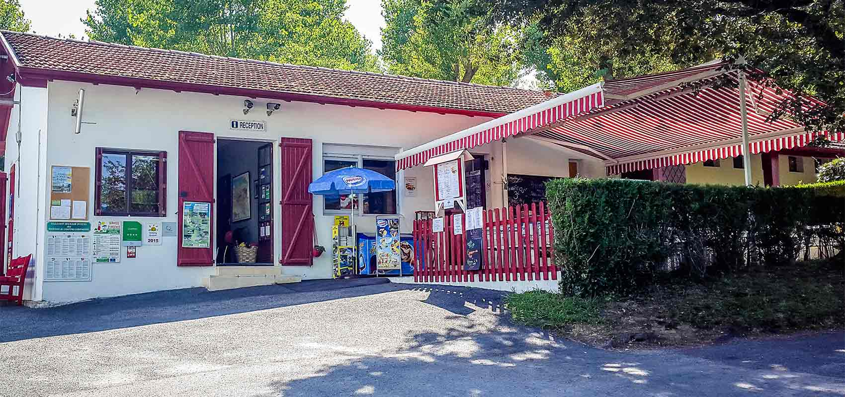 Pays basque campsite with snack bar and restaurant for Camping avec piscine pays basque